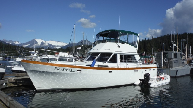 NEW! 41' PRESIDENT TRI-CABIN, TWIN 172HP LEHMANS, GEN, SPACIOUS CRUISER/ LIVE-ABOARD. $49,500