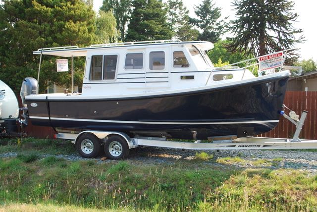 New 2017 25' Rosborough R246 Halifax, Yamaha 200, Head, Rooftop Extension, Windlass.